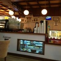 1/11/2013 tarihinde cevahir a.ziyaretçi tarafından Robert's Coffee'de çekilen fotoğraf