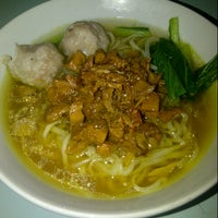 Photo taken at Warung Bakmi Ndesso by risma i. on 2/26/2013