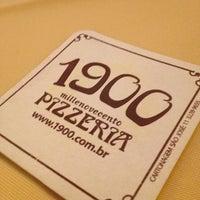 Foto tirada no(a) 1900 Pizzeria por Ana B. em 12/19/2012