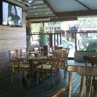6/18/2013 tarihinde Orkun V.ziyaretçi tarafından Hisarönü Cafe'de çekilen fotoğraf