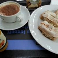 Photo taken at Caffé Nero by Oben Ç. on 10/8/2012