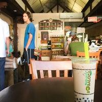 Photo taken at Boba Loca :: Tea & Coffee by Shunsuke S. on 9/26/2016