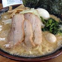 11/27/2013にtanaka_c21がらっち家 横浜家系ラーメンで撮った写真