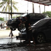 Photo taken at Arini Car Wash by Patria on 12/18/2012
