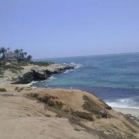 Foto tirada no(a) La Jolla Beach por Elva em 6/15/2013