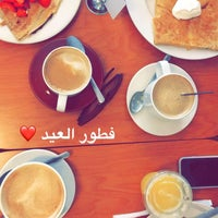 Photo taken at Crepes Parisiennes by Sahar A. on 6/25/2017