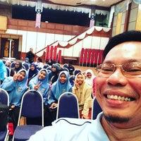 Photo taken at Dewan Tunku Mahkota Ismail (DTMI) , UTHM by Mohamad Ali T. on 4/24/2016