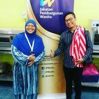 Photo taken at meeting room, kolej komuniti pasir gudang by Mohamad Ali T. on 7/12/2017