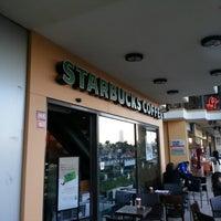 12/26/2012 tarihinde Okan K.ziyaretçi tarafından Starbucks'de çekilen fotoğraf