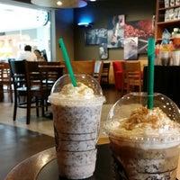 Photo taken at Starbucks by Huyzy on 5/4/2014