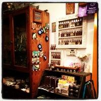 9/30/2012 tarihinde Qasimziyaretçi tarafından Kopi Café'de çekilen fotoğraf