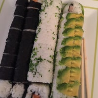 Photo taken at Mikan Sushi Santiago by Fer on 9/10/2016