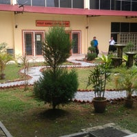 Photo taken at Perpustakaan MRSM Felda Tun Abd Razak by Khairul N. on 1/9/2013
