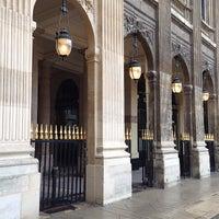 Photo prise au Palais Royal par R A. le5/15/2013