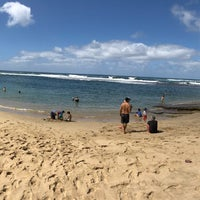 Photo taken at Ke'e Beach by Kris A. on 2/11/2018