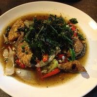 Das Foto wurde bei ร้านอาหารเยาวราช von 🍒Cherryann🍒 am 3/15/2013 aufgenommen