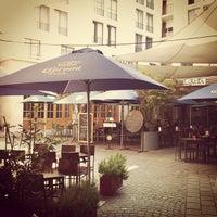 Foto tirada no(a) Urriola Café Resto Bar por Thiago K. em 1/14/2013