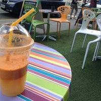 Photo taken at Portobello Juice Bar by Êlènà V. on 7/27/2014