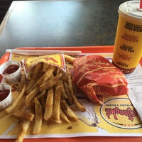 Photo taken at Bojangles' Famous Chicken 'n Biscuits by Thomas on 4/29/2016