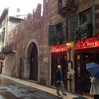 Foto scattata a Casa di Romeo da YoC il 5/10/2013