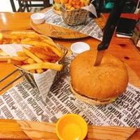2/13/2018 tarihinde Tansu Y.ziyaretçi tarafından Meatballs Burger House'de çekilen fotoğraf