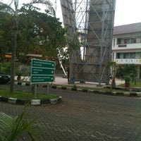 Photo taken at Universitas Mercu Buana by Tomy Sianturi on 10/27/2012