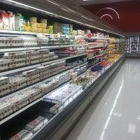 Foto tirada no(a) Target por Vidit M. em 8/1/2013