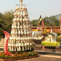 Photo taken at Statue of Queen Chamadevi by Yuttana コ. on 2/16/2013