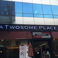 Photo taken at A TWOSOME PLACE by Young Jun K. on 2/12/2014