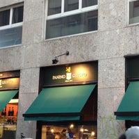 Foto scattata a Panino Giusto da Mary A. il 12/9/2012
