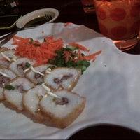 Photo taken at Sushi-kito by Karmina C. on 8/3/2014