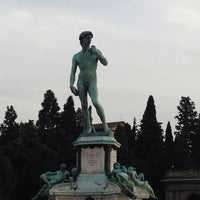 Photo taken at Piazzale Michelangelo by İlknuryc on 10/18/2013