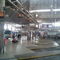 Foto tomada en Terminal de Buses San Borja por Sheila V. el 3/6/2013