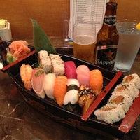 Photo prise au Yuri Japanese Restaurant par Ken T. le1/30/2013