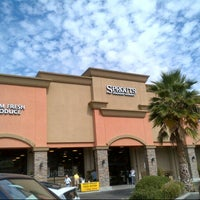 Photo taken at Sprouts Farmers Market by Grace O. on 10/6/2012