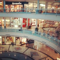 Foto tirada no(a) Flamboyant Shopping Center por Mateus C. em 4/1/2013