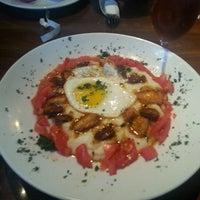 Das Foto wurde bei Paschal's Restaurant von Lauren G. am 4/14/2013 aufgenommen