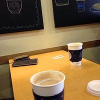Photo taken at EDIYA COFFEE by Youngsub P. on 3/27/2015