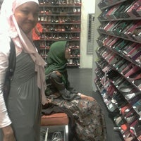 Photo taken at Payless ShoeSource by thias m. on 11/16/2012