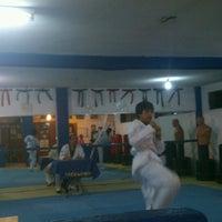 Photo taken at Asociación Internacional De Taekwondo by Pe®rushka™ on 3/22/2013