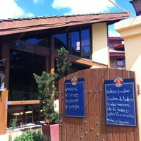 Foto tirada no(a) Villa Amarela Botecu's por Mariano em 11/4/2012
