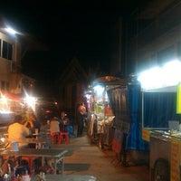 12/29/2012 tarihinde Chantima T.ziyaretçi tarafından ตลาดหลักเมือง'de çekilen fotoğraf