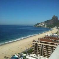 Das Foto wurde bei Everest Rio Hotel von Amauri V. am 2/25/2013 aufgenommen