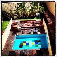 Foto tomada en Axel Hotel por Rodrigo el 10/4/2012