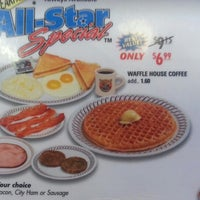 Photo taken at Waffle House by Dusty G. on 12/21/2012