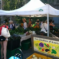 Photo taken at Marché Fermier by Altino G. on 8/24/2014