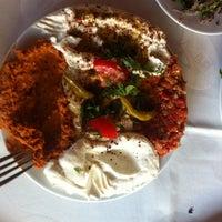 9/26/2013 tarihinde Efe Y.ziyaretçi tarafından Kuzeytepe Nuri Restaurant'de çekilen fotoğraf