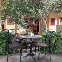 3/2/2013 tarihinde Hans G.ziyaretçi tarafından Cafe Flora'de çekilen fotoğraf
