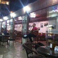 Photo taken at Mavi Beyaz Restaurant Cafe Bar by Emin K. on 8/13/2013