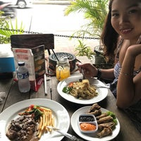 Photo taken at Warung PePe Wood Fired Pizza & Pasta by Florin . on 8/29/2018